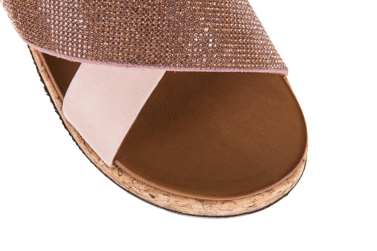 Klapki bayla-112 0396-204 powder, róż/beż, skóra naturalna  - klapki - letnie hity cenowe 12