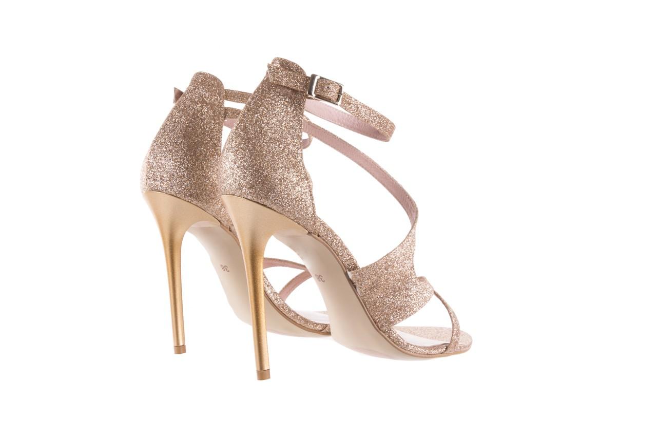 Sandały bayla-097 11 złote sandały na szpilce z glitterem, materiał  - kolekcja ślubna - trendy - kobieta 10