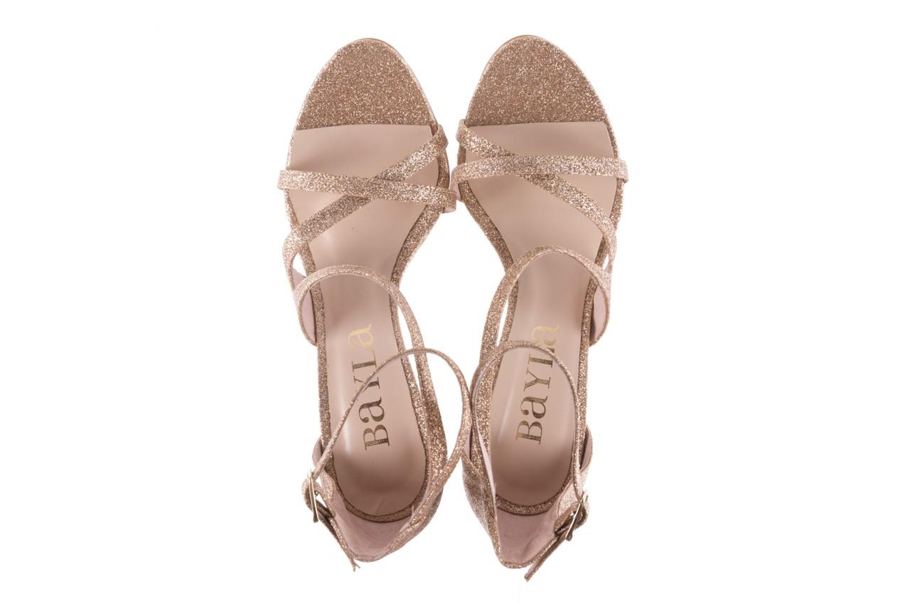 Sandały bayla-097 11 złote sandały na szpilce z glitterem, materiał  - kolekcja ślubna - trendy - kobieta 11