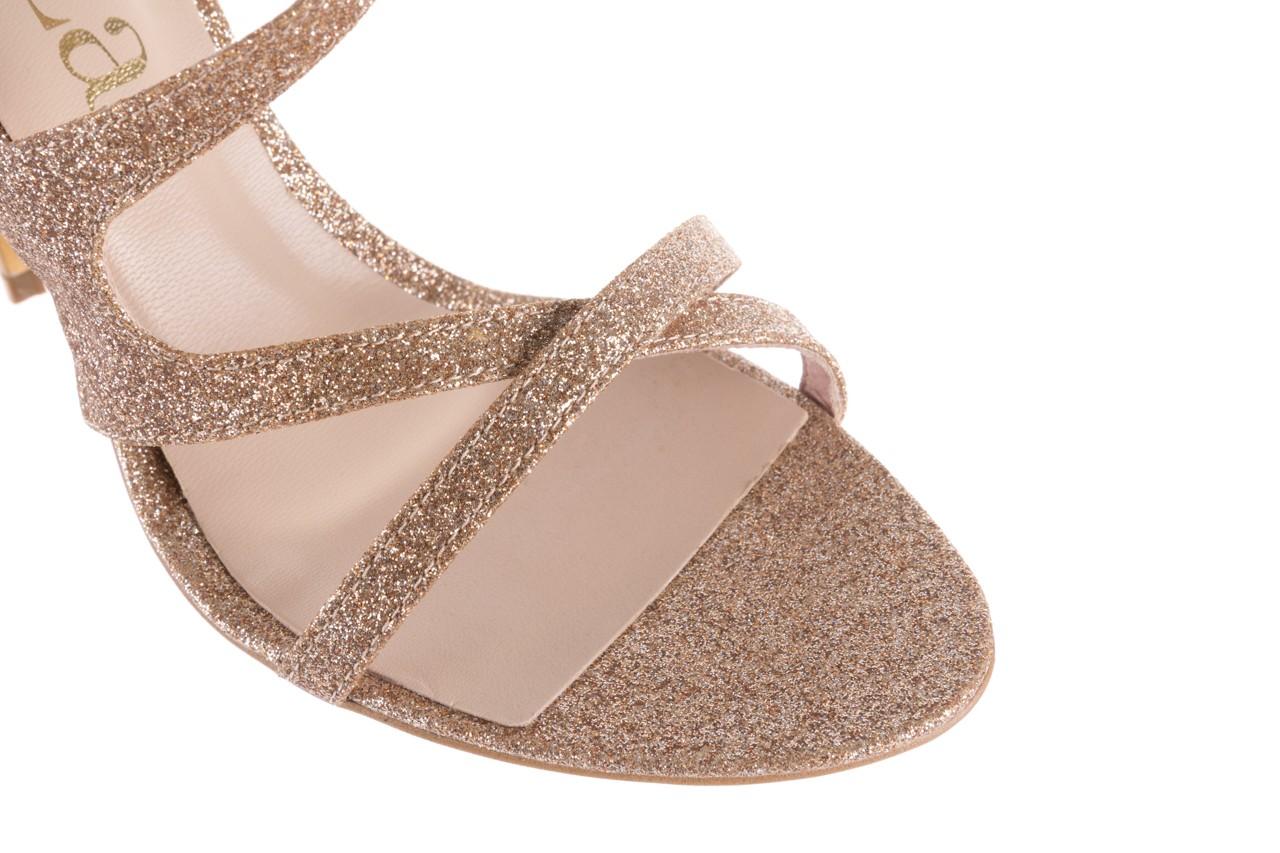 Sandały bayla-097 11 złote sandały na szpilce z glitterem, materiał  - kolekcja ślubna - trendy - kobieta 13