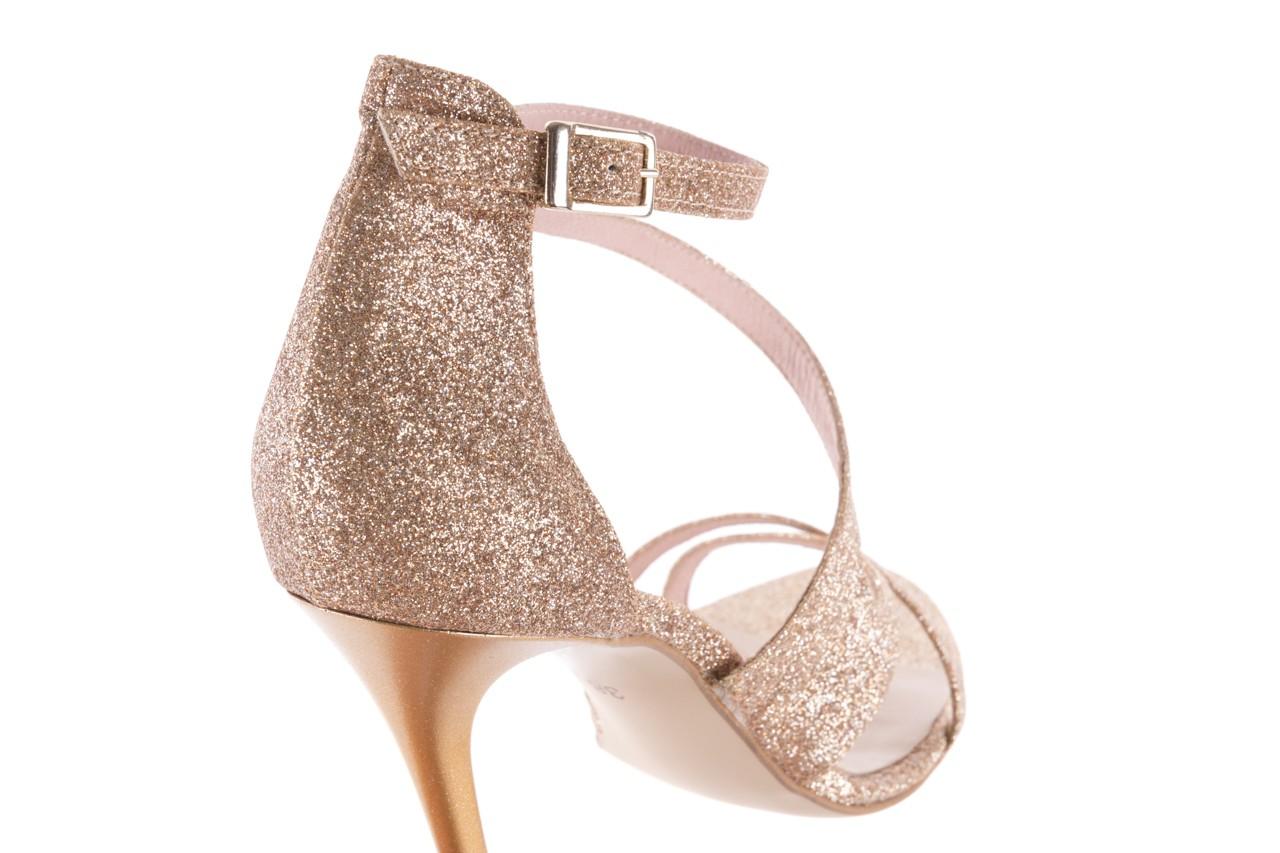 Sandały bayla-097 11 złote sandały na szpilce z glitterem, materiał  - kolekcja ślubna - trendy - kobieta 12