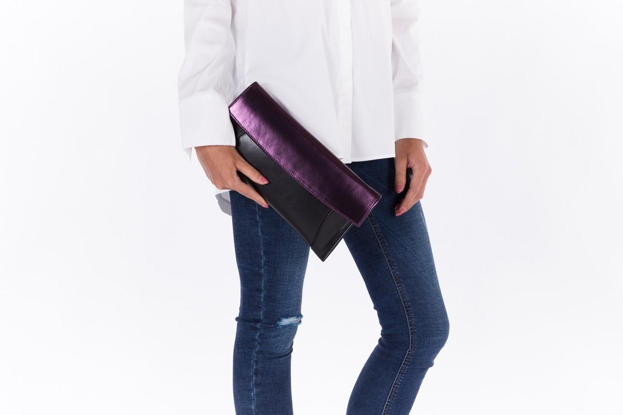 Torebka bayla-097 torebka koperta sandra czarno-fioletowa, skóra naturalna  - torebki - akcesoria - kobieta 7