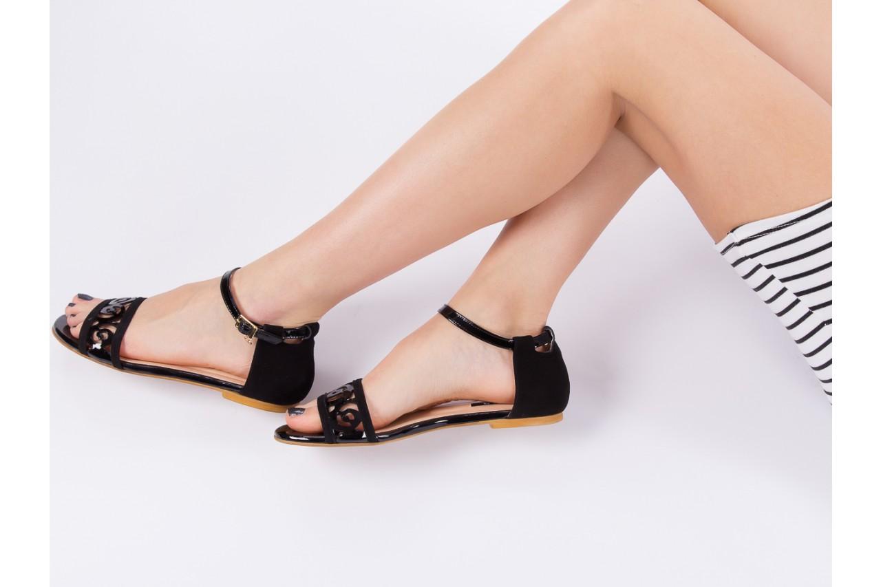Sandały bayla-130 04278 000m-06 czarny z, skóra naturalna lakierowana - bayla - nasze marki 15