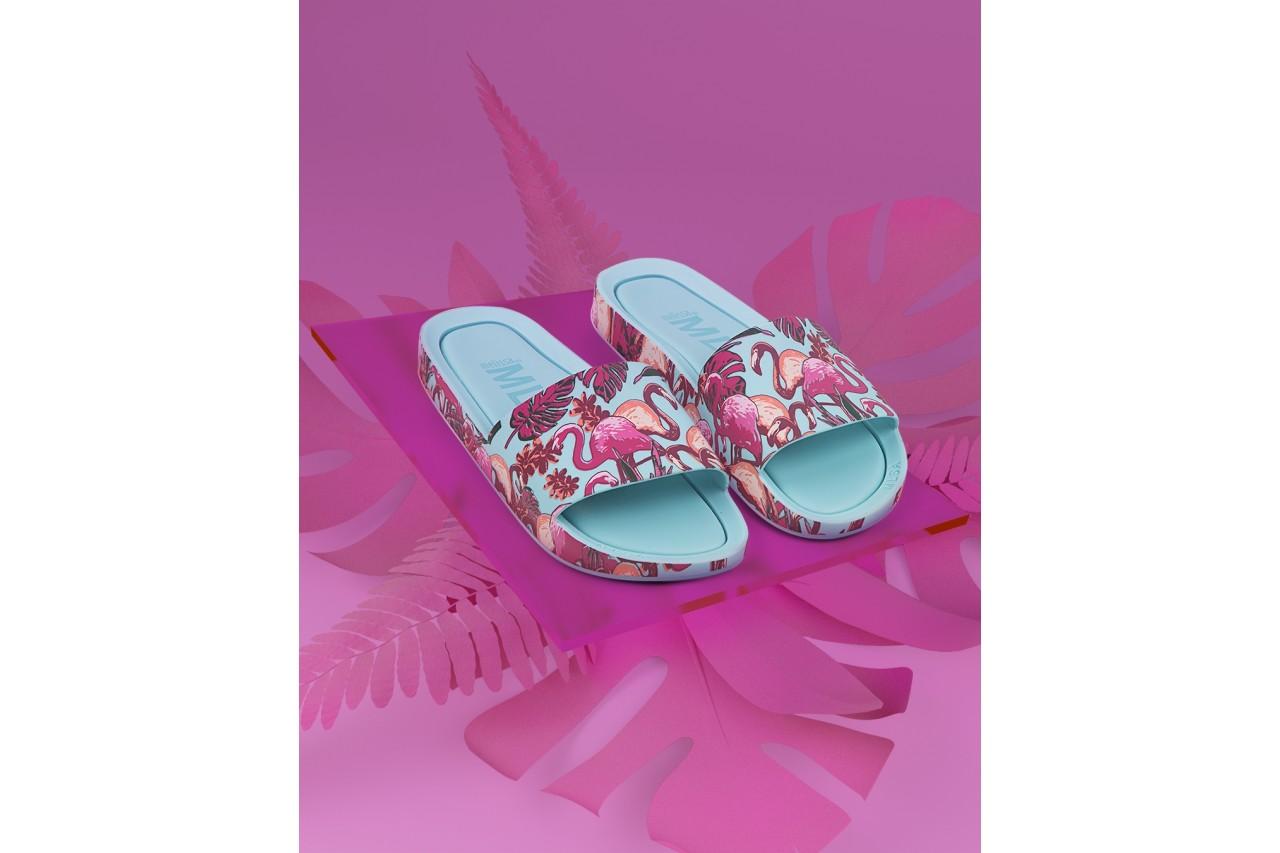 Klapki melissa beach slide 3db rainbow ad green pink, błękitne, guma - melissa - nasze marki 5