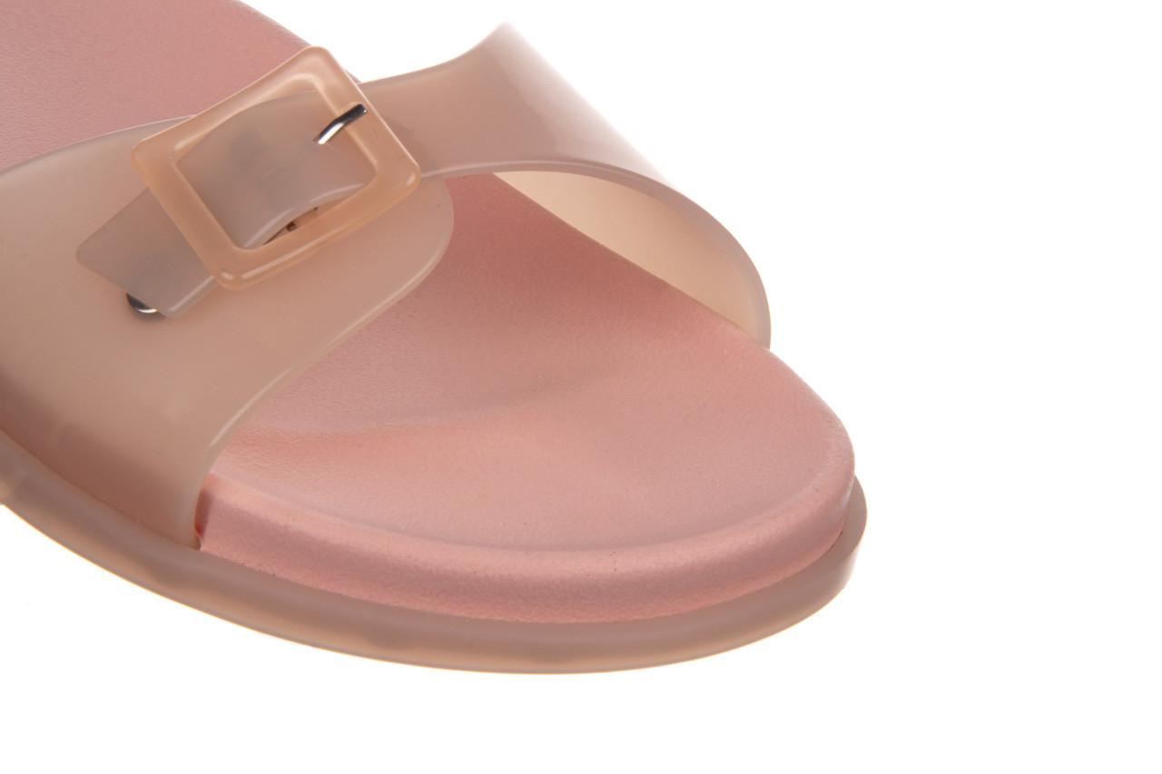 Klapki melissa wide slide ad soft pink pink transparent 010360, róż, guma - klapki - buty damskie - kobieta 11
