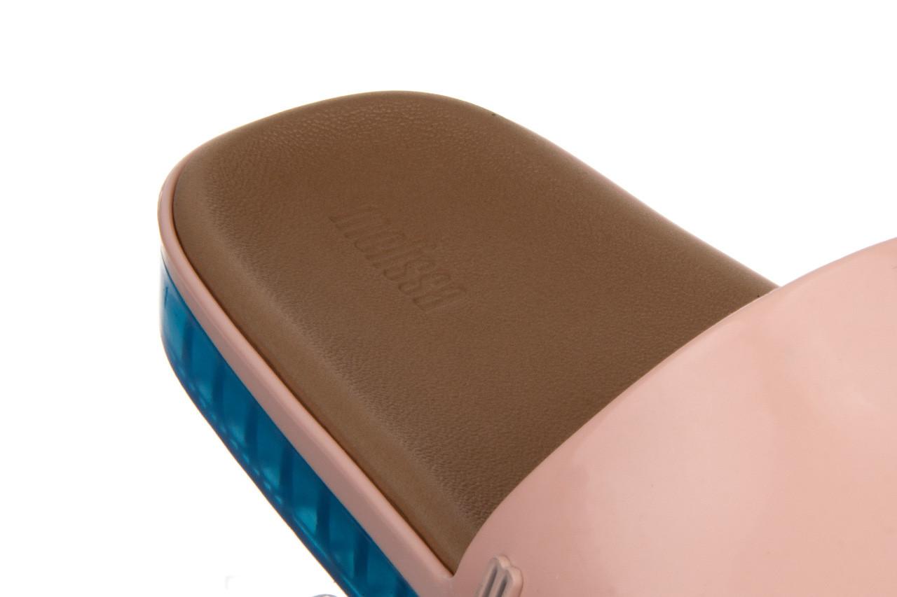 Klapki melissa beach slide next gen ad pink blue 010339, róż, guma - klapki - buty damskie - kobieta 13