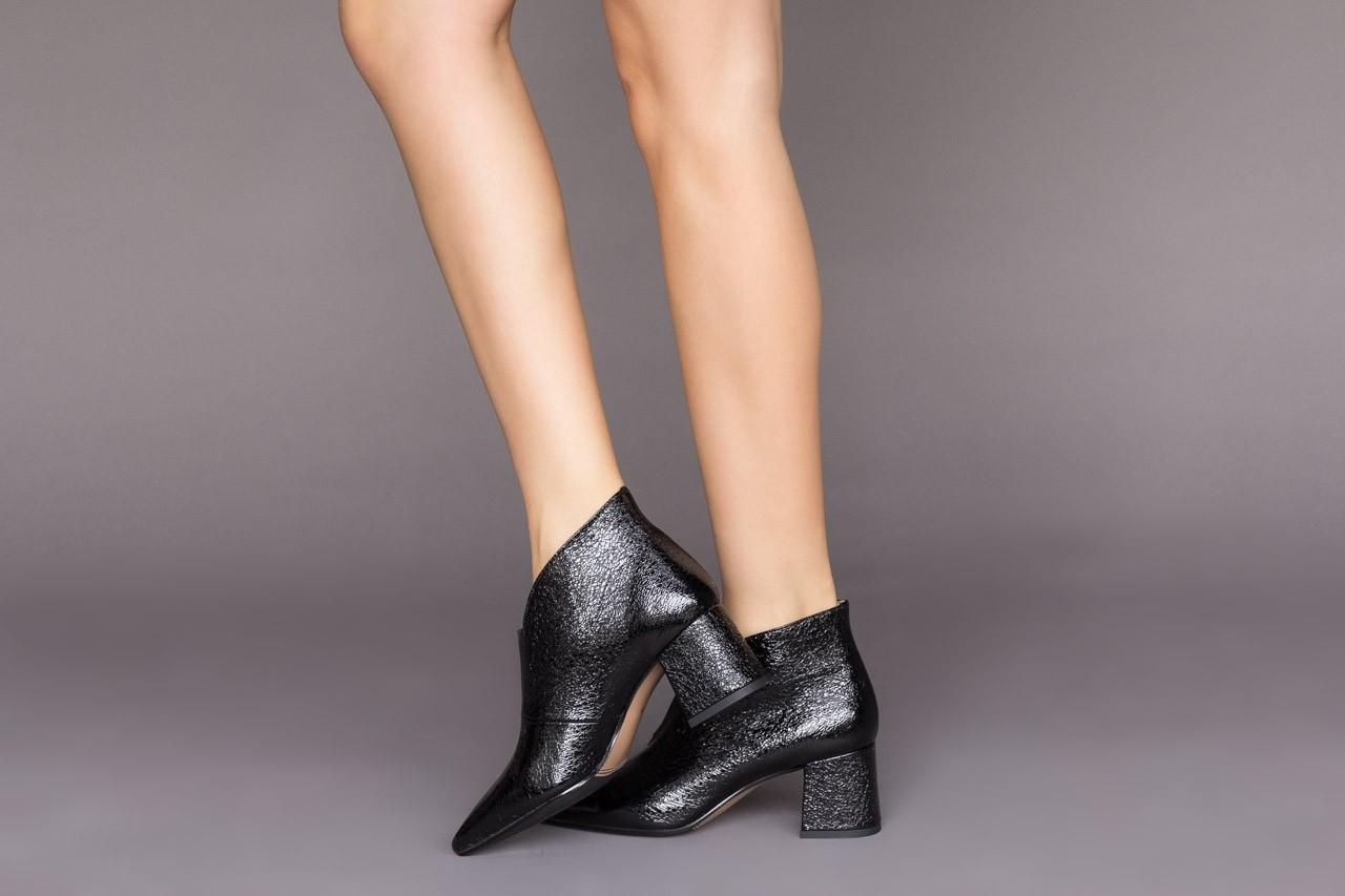 Botki bayla-188 031 czarny, skóra naturalna lakierowana - skórzane - botki - buty damskie - kobieta 11