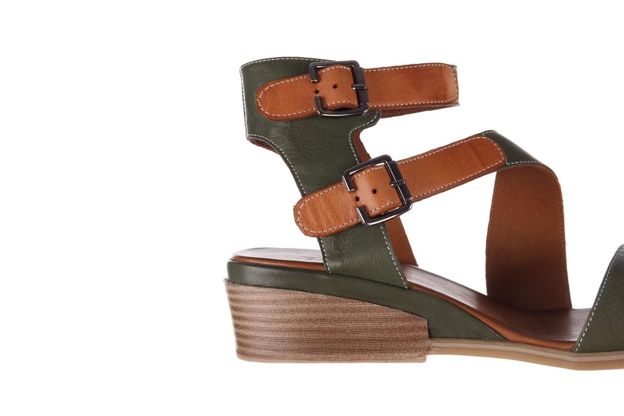 Sandały bayla-161 061 1605 dark olive tan, zielony, skóra naturalna - koturny - buty damskie - kobieta 15