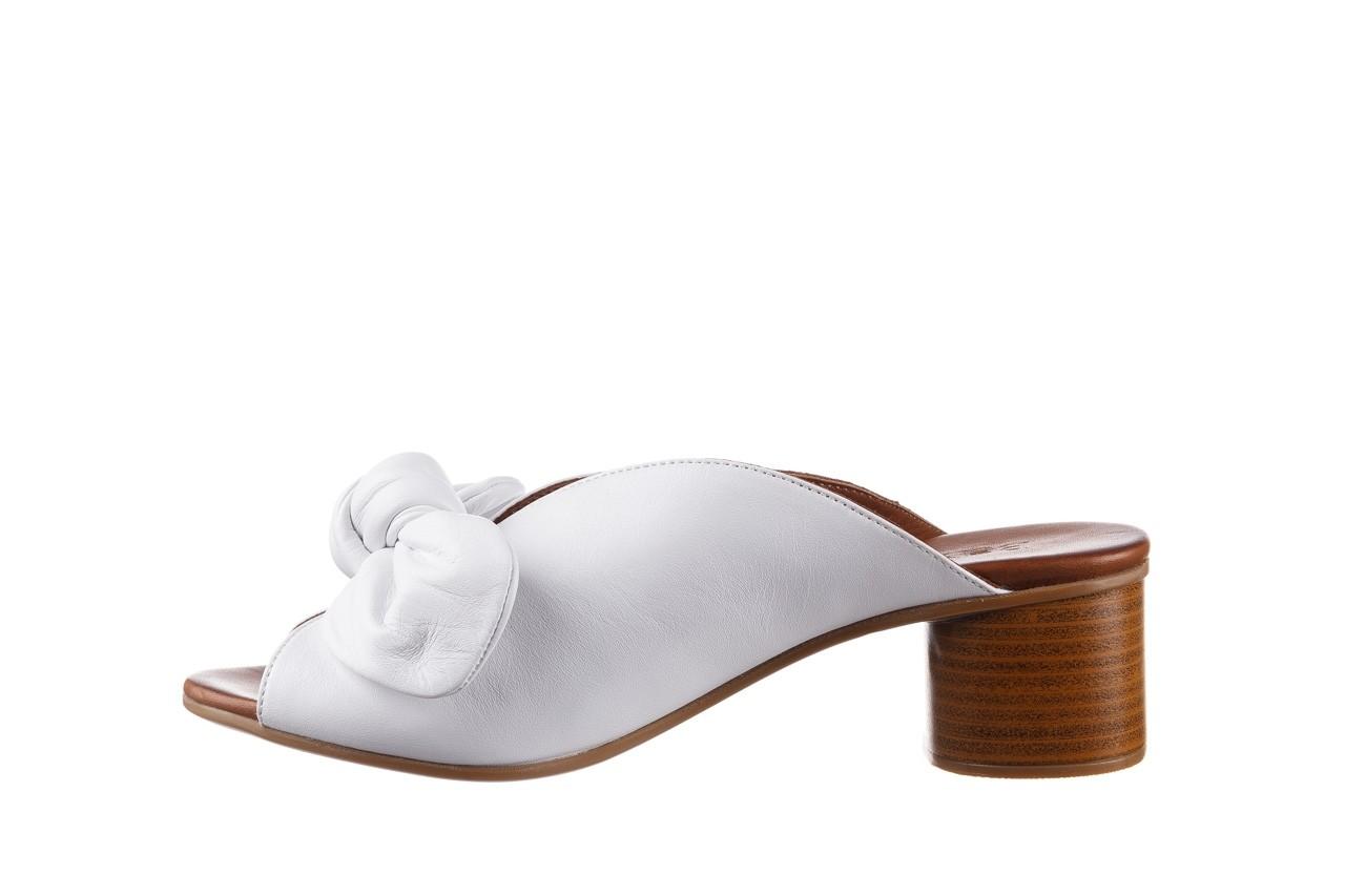 Klapki bayla-161 061 1029 white, biały, skóra naturalna  - klapki - dla niej  - sale 10