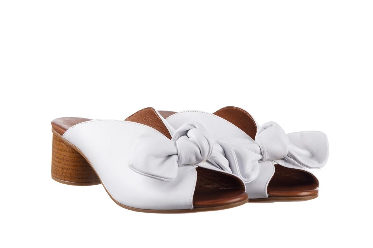 Klapki bayla-161 061 1029 white, biały, skóra naturalna  - klapki - dla niej  - sale 9