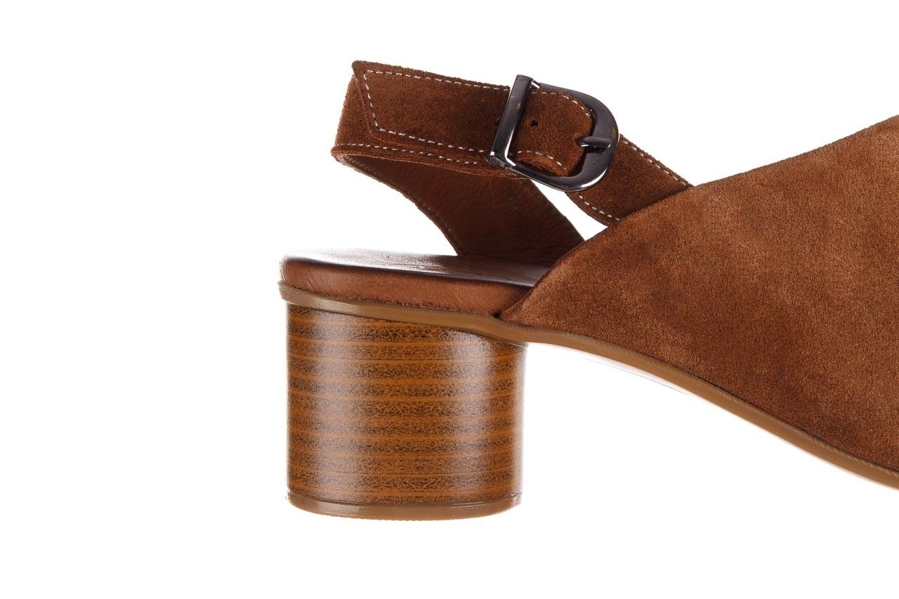 Sandały bayla-161 061 1030 tan suede, brąz, skóra naturalna zamszowa - sandały - dla niej  - sale 15