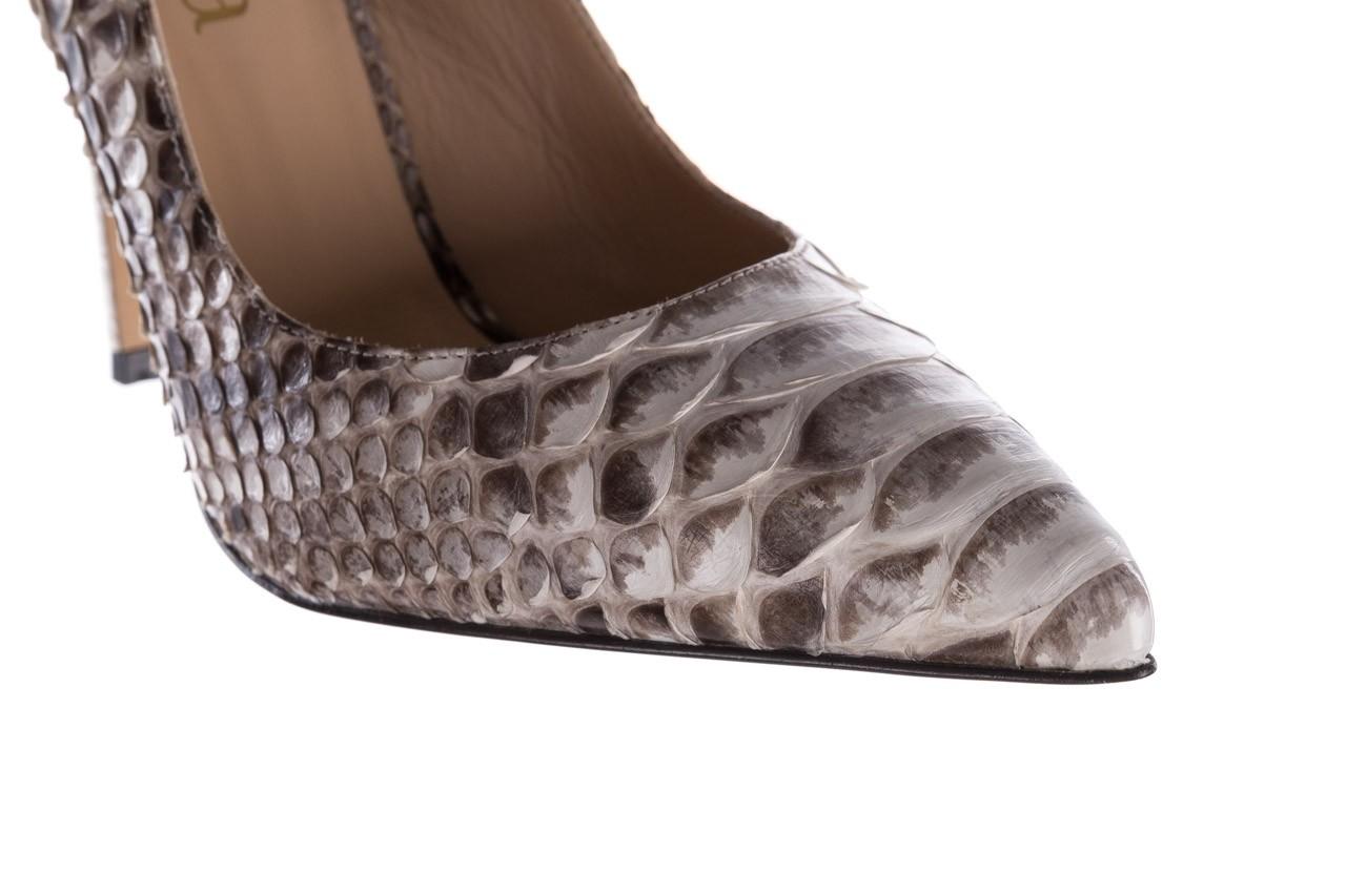 Szpilki bayla-182 2149 jasnoszare łuska, skóra naturalna  - skórzane - szpilki - buty damskie - kobieta 13
