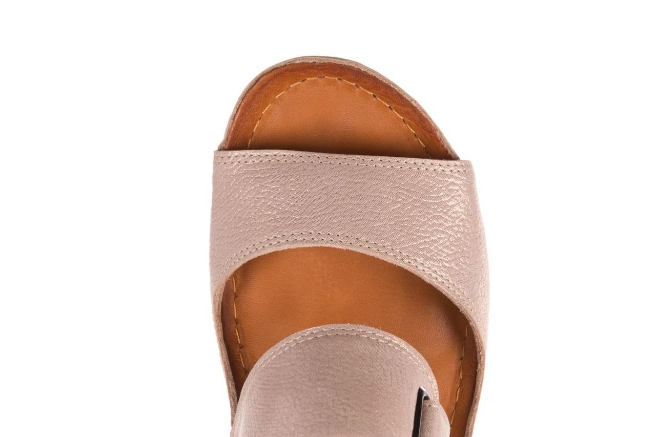 Klapki bayla-112 0001-428-bs43 beż, skóra naturalna  - na koturnie - klapki - buty damskie - kobieta 13