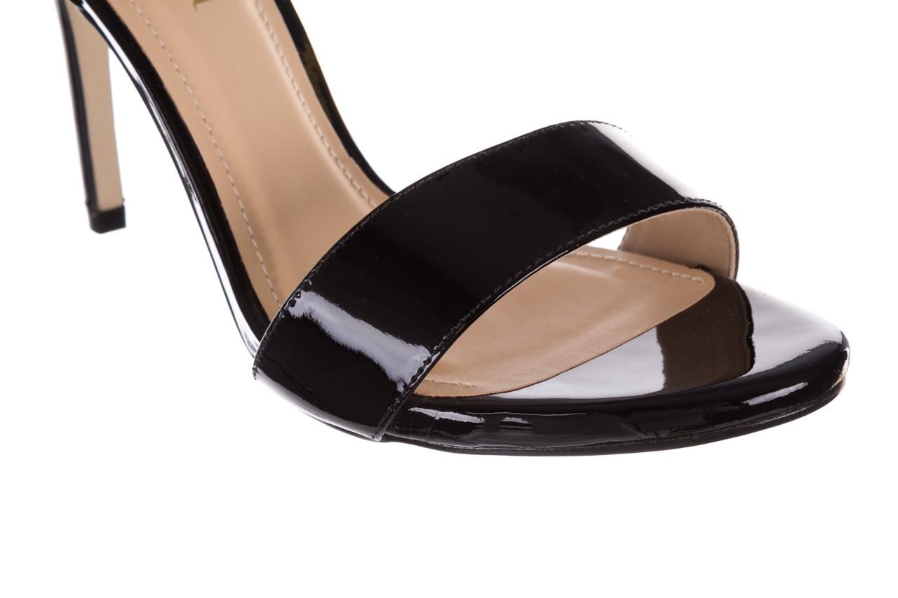 Sandały bayla-065 6189496 czarny, skóra naturalna lakierowana - na obcasie - sandały - buty damskie - kobieta 12