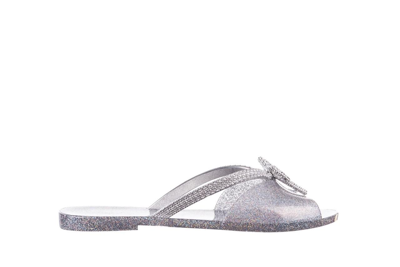 Klapki melissa ela chrome ad holographic glitter, srebrny, guma - gumowe/plastikowe - klapki - buty damskie - kobieta 7