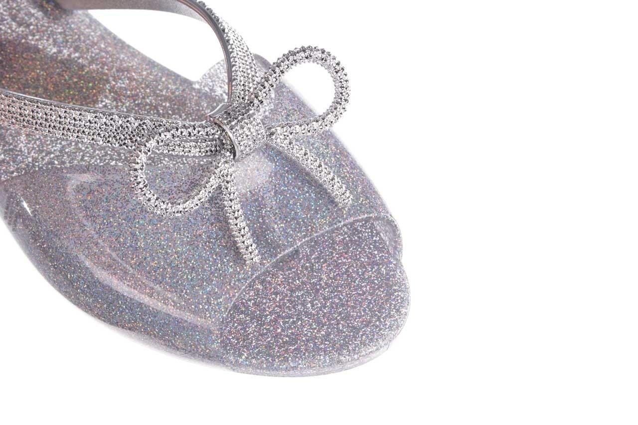 Klapki melissa ela chrome ad holographic glitter, srebrny, guma - gumowe/plastikowe - klapki - buty damskie - kobieta 12