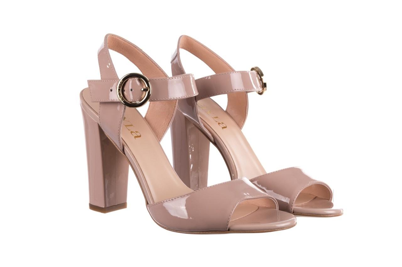 Sandały bayla-056 8023-430 beż lakier, skóra naturalna  - skórzane - sandały - buty damskie - kobieta 8