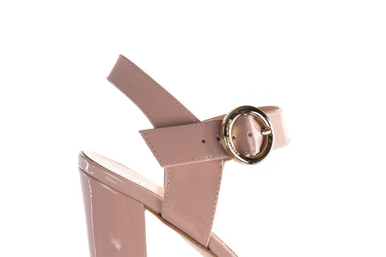 Sandały bayla-056 8023-430 beż lakier, skóra naturalna  - skórzane - sandały - buty damskie - kobieta 12