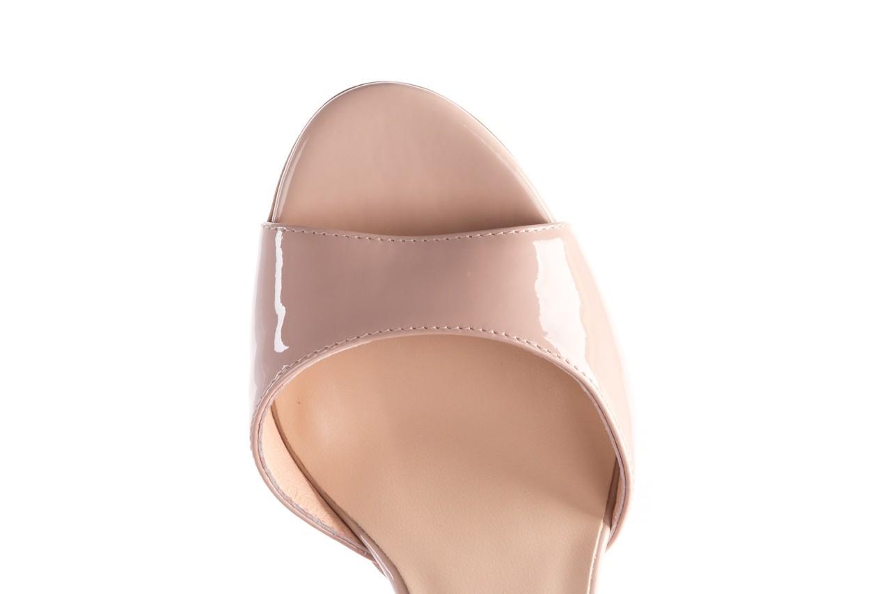 Sandały bayla-056 8023-430 beż lakier, skóra naturalna  - skórzane - sandały - buty damskie - kobieta 13