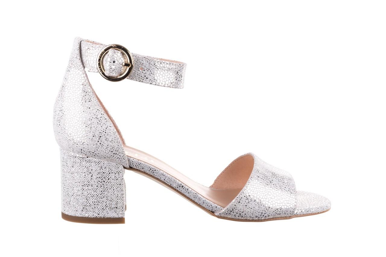 Sandały bayla-056 7049-1152 biały melanż, skóra naturalna  - na obcasie - sandały - buty damskie - kobieta 7