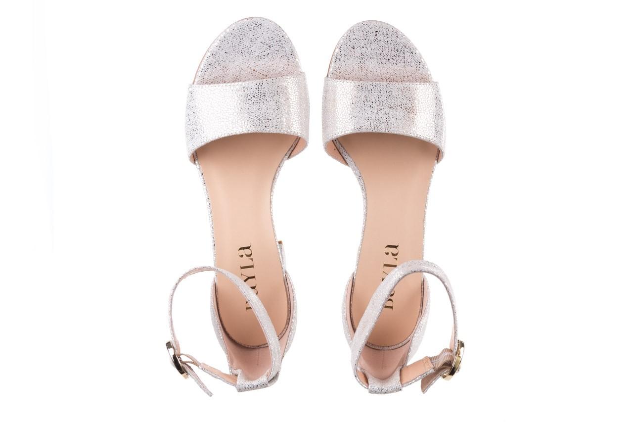 Sandały bayla-056 7049-1152 biały melanż, skóra naturalna  - dla niej  - sale 11
