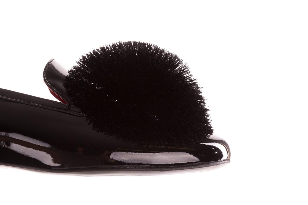 Półbuty bayla-157 b018-090-p czarny 157015, skóra naturalna lakierowana 17