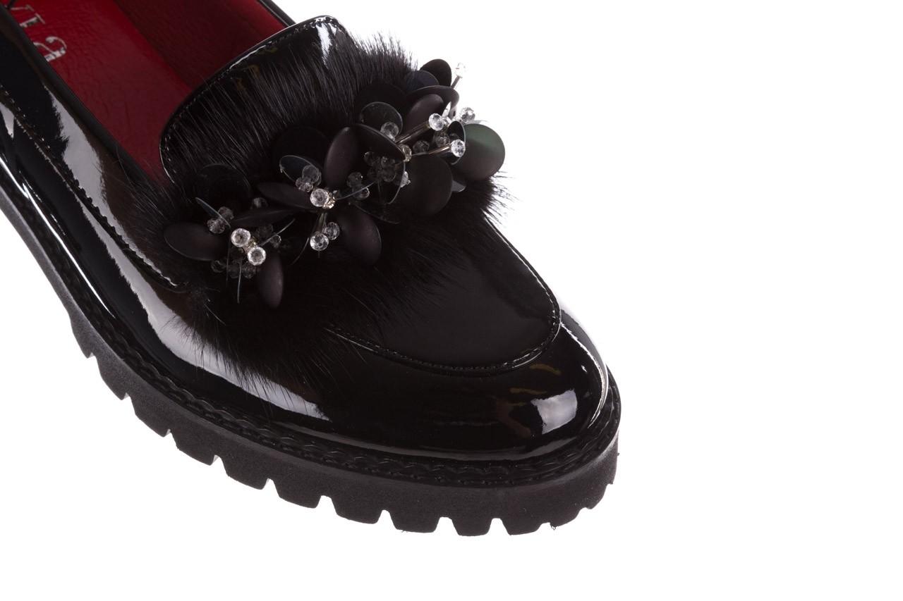 Półbuty bayla-157 b019-090-p czarny 157024, skóra naturalna lakierowana  - półbuty - buty damskie - kobieta 17