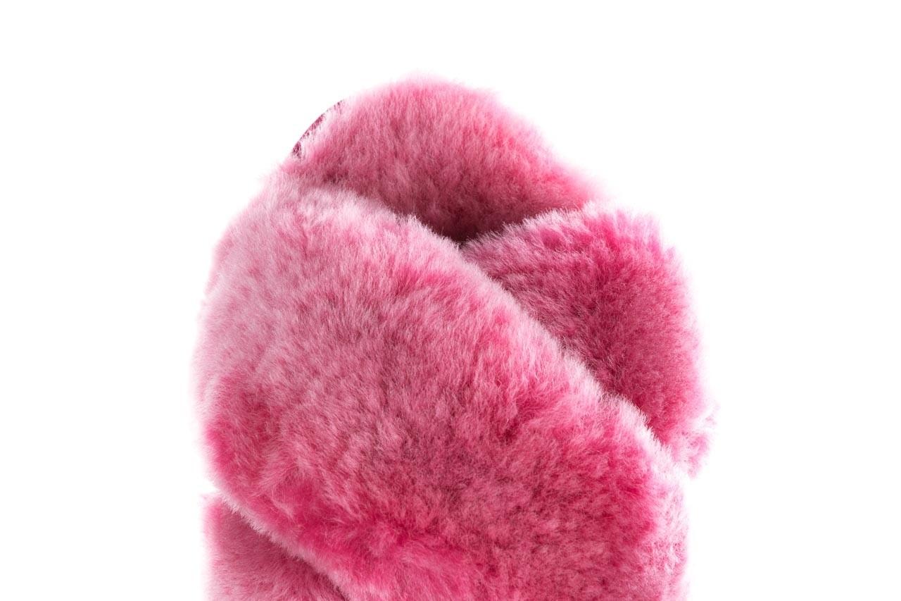 Klapki emu mayberry frost berry, róż, futro naturalne  - sale 14