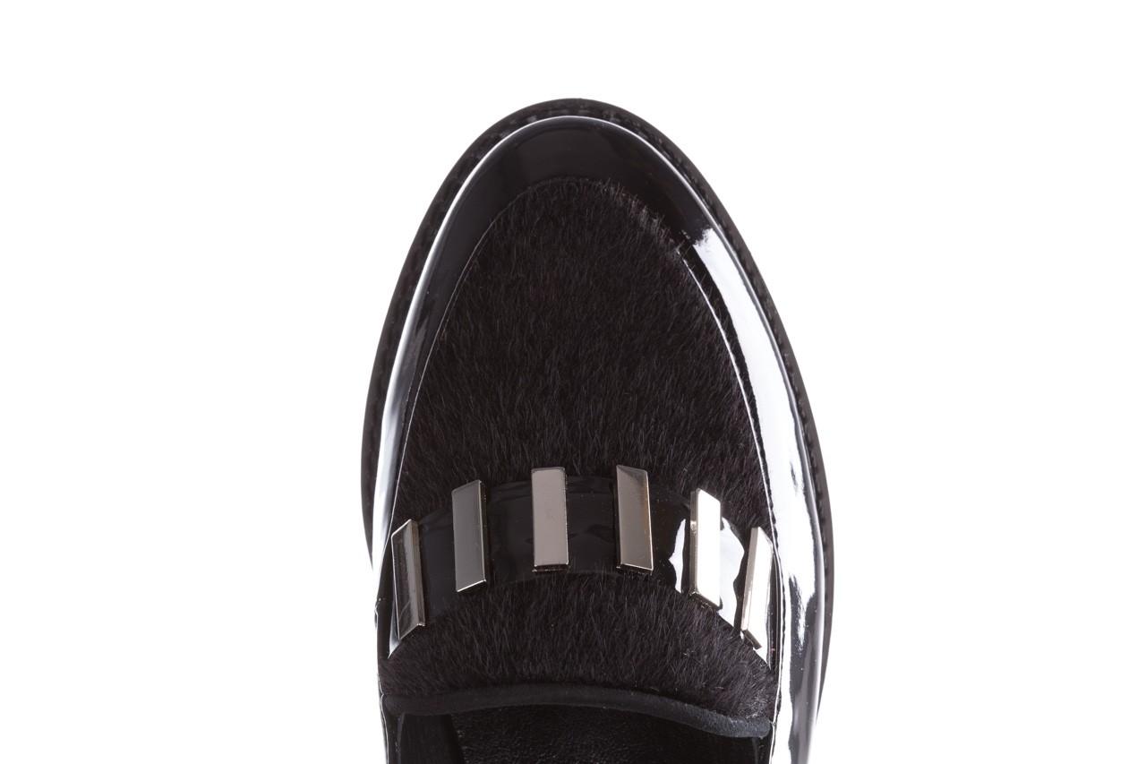 Półbuty bayla-157 b023-126-p czarny, skóra naturalna lakierowana - mokasyny i lordsy - półbuty - buty damskie - kobieta 14