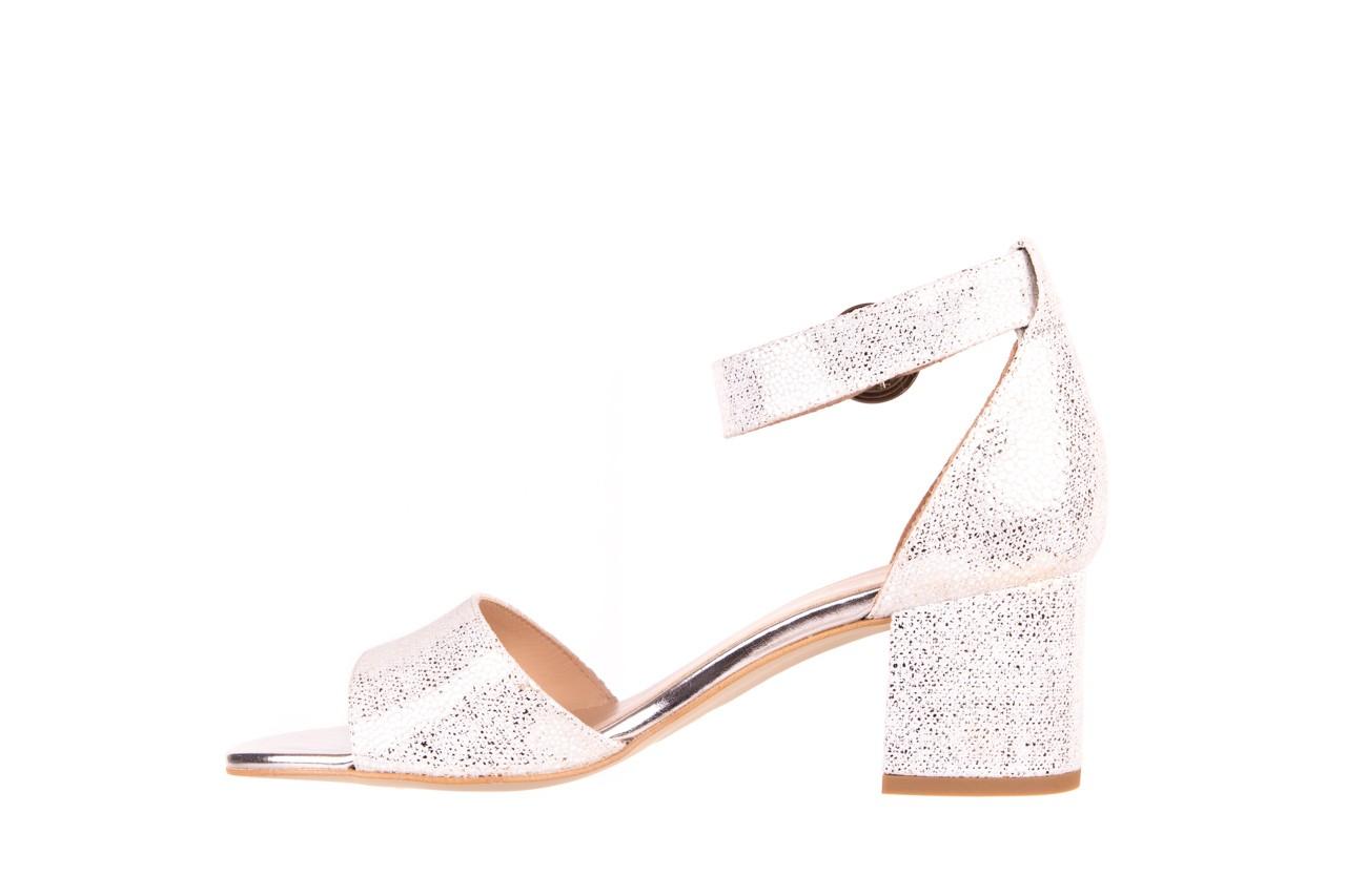 Sandały bayla-056 7049-1152 srebrno-białe sandały, skóra naturalna - bayla - nasze marki 8