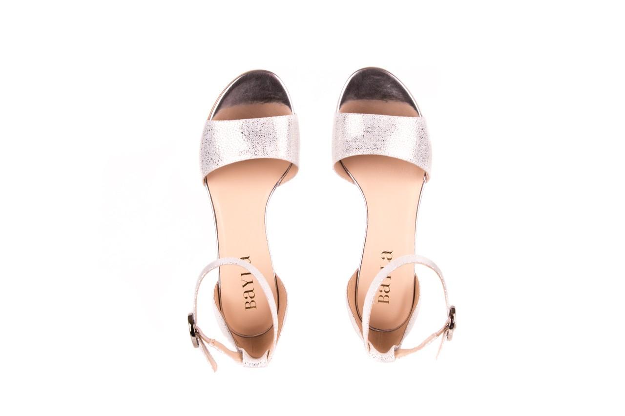 Sandały bayla-056 7049-1152 srebrno-białe sandały, skóra naturalna - bayla - nasze marki 10