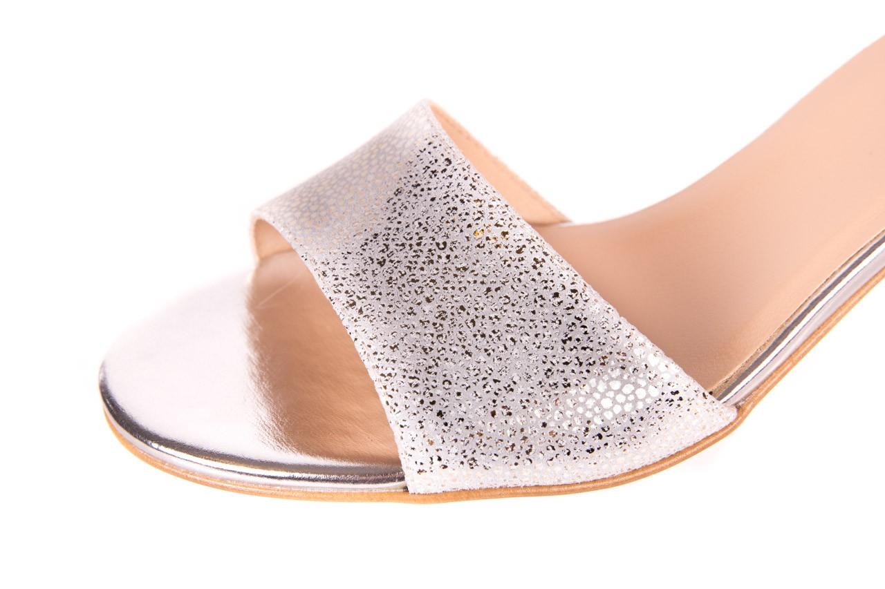 Sandały bayla-056 7049-1152 srebrno-białe sandały, skóra naturalna - bayla - nasze marki 11
