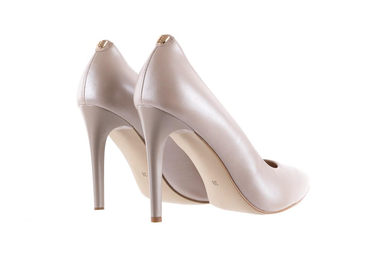 Czółenka bayla-056 9035-1422 szampańskie perłowe czółenka, skóra naturalna  - kolekcja ślubna - trendy - kobieta 9