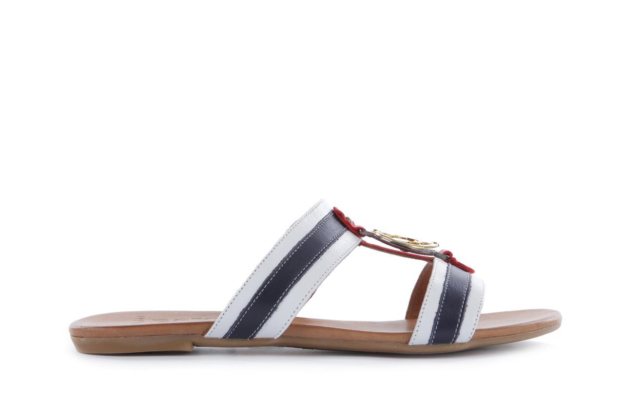 Klapki bayla-112 243-460 by byz laci krmz - white navy red 16, biały/niebieski/czerwony, skóra naturalna - bayla - nasze marki 6