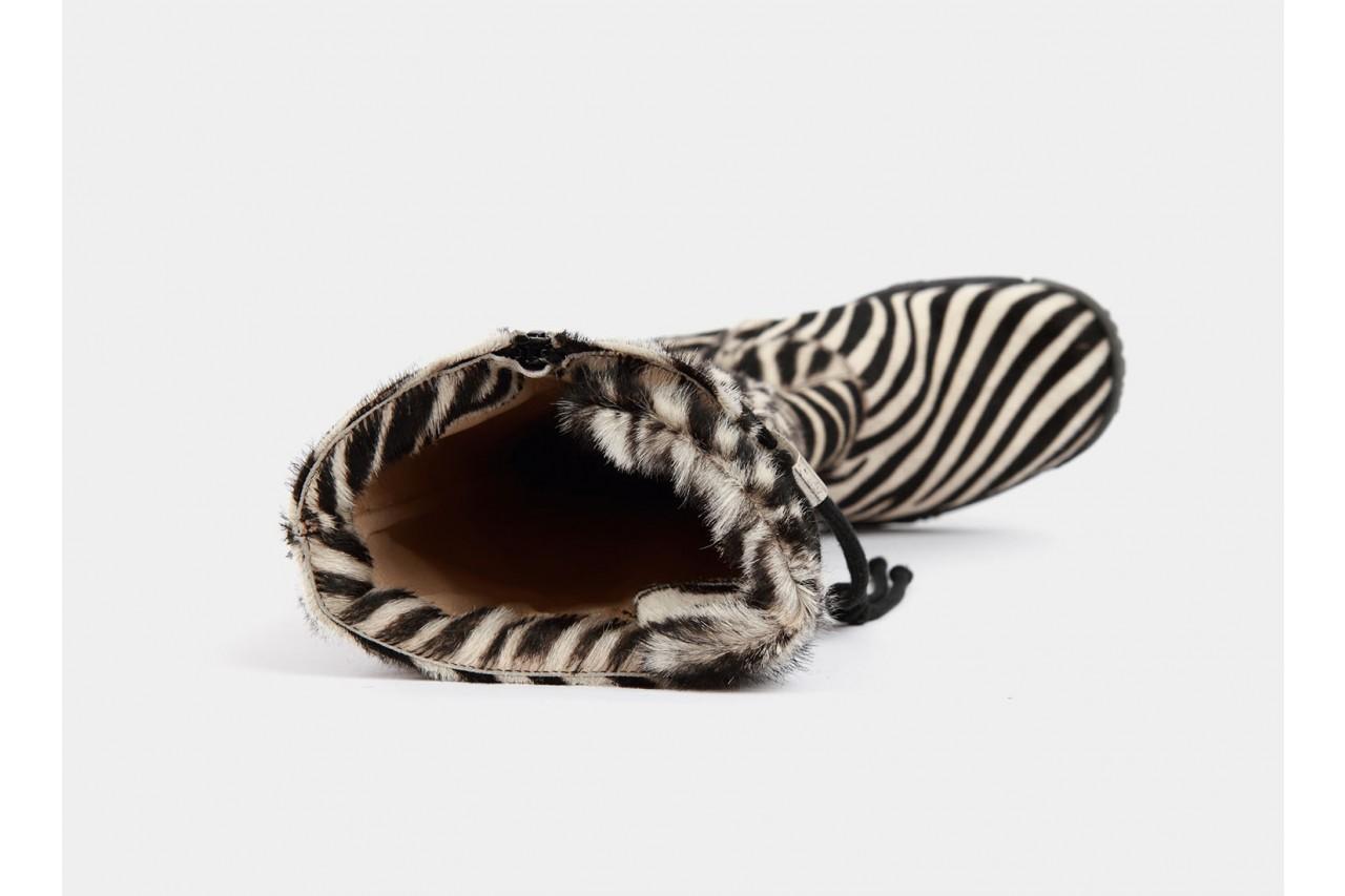Bumper pony zebra 9