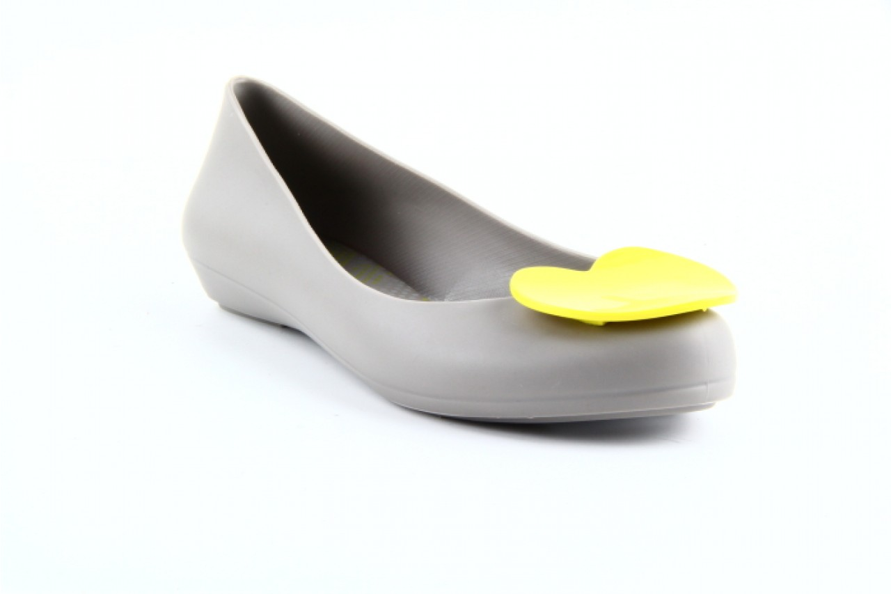 Mel pop heart sp ad grey-yellow 11