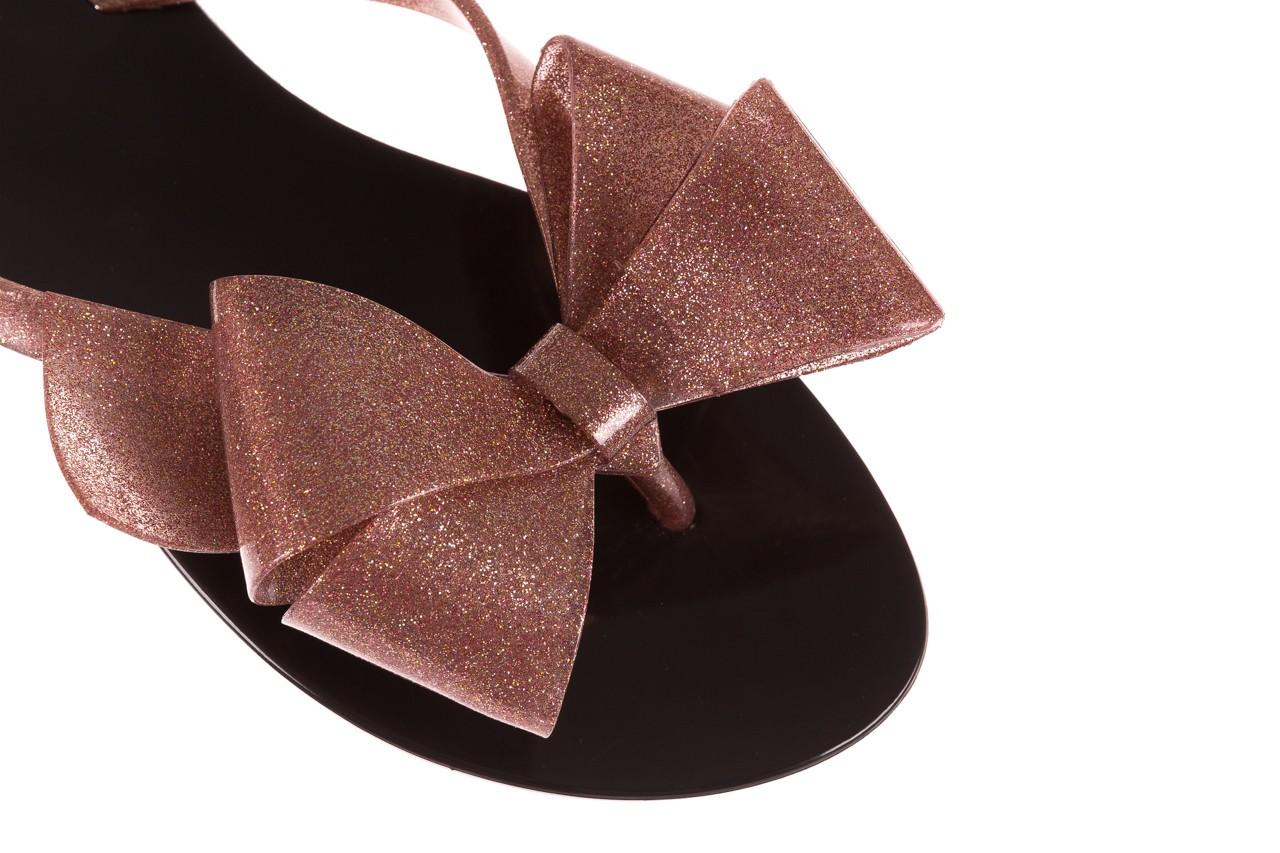 Klapki melissa harmonic bow iii ad black glitter rose, róż/czarny, guma - japonki - klapki - buty damskie - kobieta 11