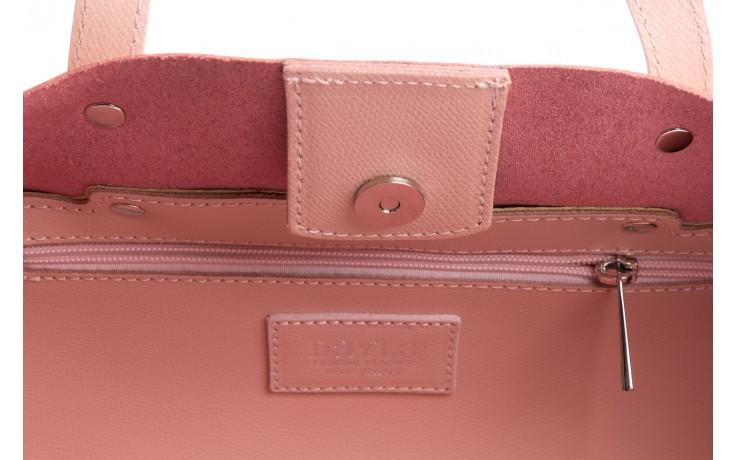 Torebka bayla-180 jasnoróżowa torebka ze skóry loren - akcesoria - kobieta 7