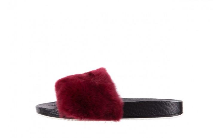 Klapki bayla-112 0479-17194 burgundy furry, bordo/czarny, skóra naturalna  - bayla - nasze marki 2