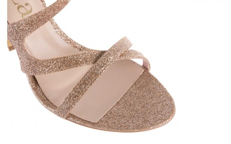 Sandały bayla-097 11 złote sandały na szpilce z glitterem, materiał  - kolekcja ślubna - trendy - kobieta 6