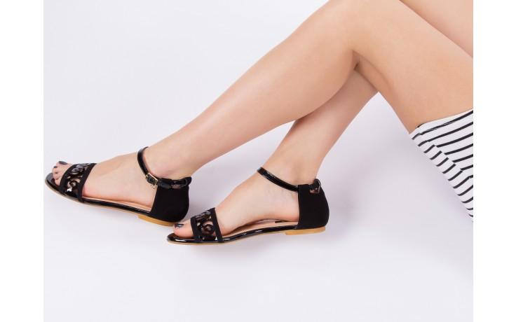 Sandały bayla-130 04278 000m-06 czarny z, skóra naturalna lakierowana - bayla - nasze marki 7