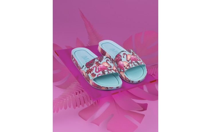 Klapki melissa beach slide 3db rainbow ad green pink, błękitne, guma - melissa - nasze marki 2