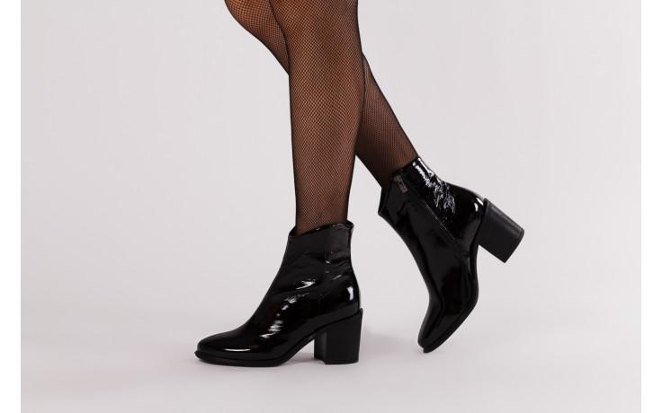 Botki bayla 161 050 022 400 black patent 161167, czarny, skóra naturalna lakierowana  - kobieta 2