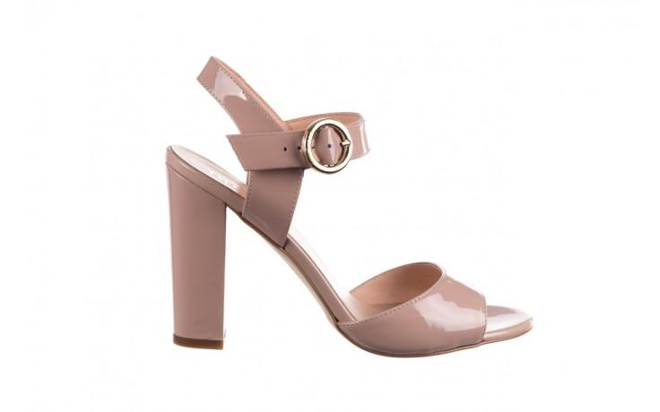 Sandały bayla-056 8023-430 beż lakier, skóra naturalna  - skórzane - sandały - buty damskie - kobieta