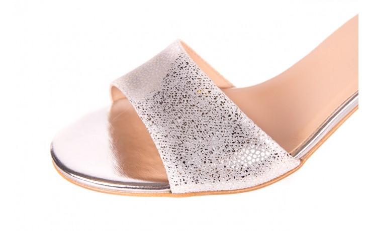 Sandały bayla-056 7049-1152 srebrno-białe sandały, skóra naturalna - bayla - nasze marki 5