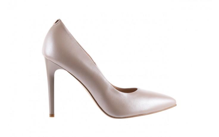 Czółenka bayla-056 9035-1422 szampańskie perłowe czółenka, skóra naturalna  - kolekcja ślubna - trendy - kobieta