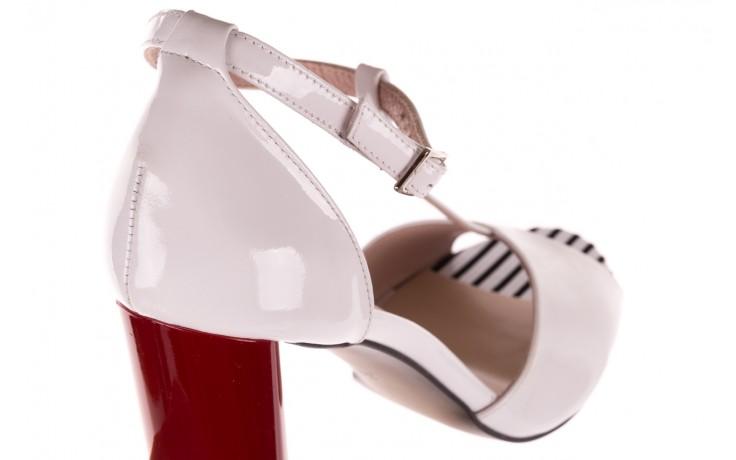 Sandały bayla-097 08 biało-czerwone sandały, skóra naturalna lakierowana  - kolekcja ślubna - trendy - kobieta 6
