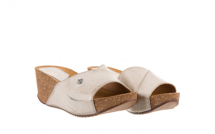 Klapki bayla-099 0795 dave platyna, skóra naturalna  - na koturnie - klapki - buty damskie - kobieta 1