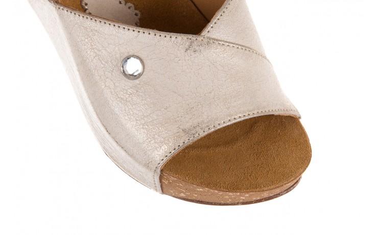 Klapki bayla-099 0795 dave platyna, skóra naturalna  - na koturnie - klapki - buty damskie - kobieta 4