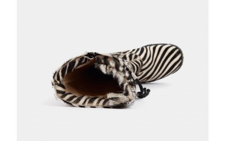 Bumper pony zebra 3